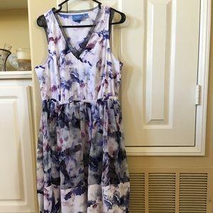 Beautiful Vera Wang already discounted  👗 size L